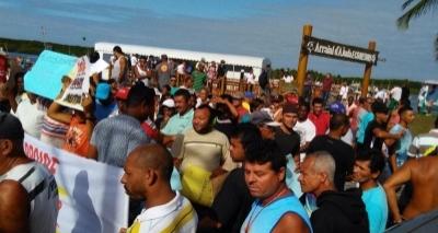 Porto Seguro: Pescadores protestam contra portaria que proíbe pesca de mais de 450 espécies
