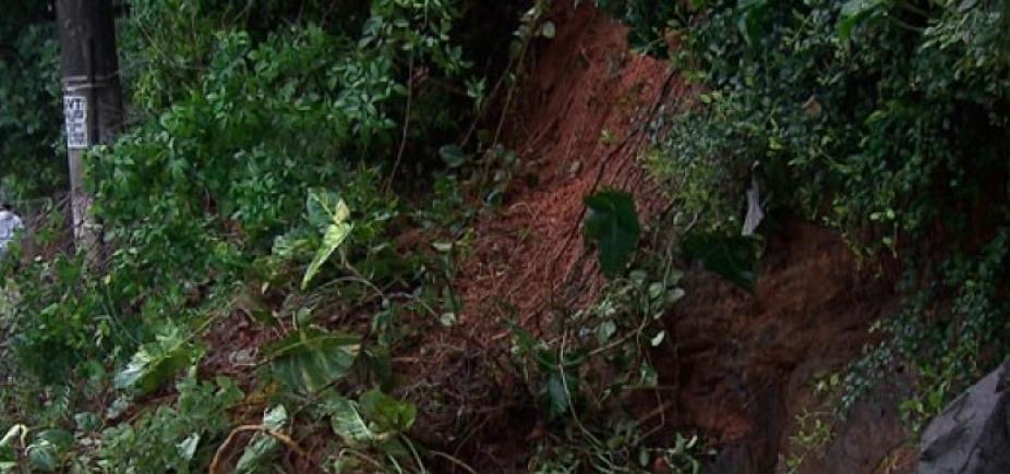 [Defesa Civil registra seis deslizamentos de terra nesta sexta-feira em Salvador]