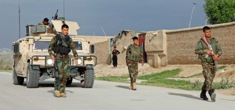 [Ataque do Talibã deixa mais de 100 mortos ou feridos em base militar no Afeganistão]