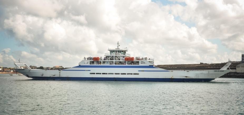 [Greve geral: embarque no sistema ferry-boat é tranquilo]