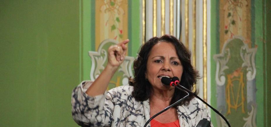 [ Vereadora diz que ordem do PCdoB é para que militantes não se envolvam em atos violentos]