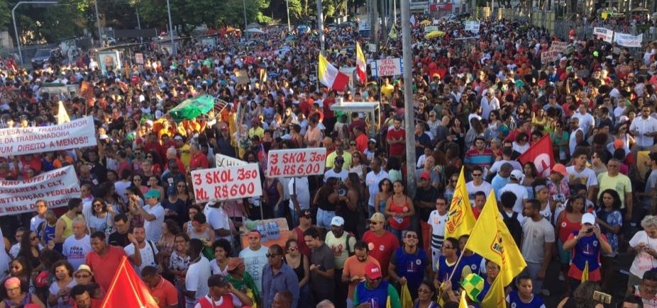 [Manifestantes partem do Campo Grande para ato contra reformas]