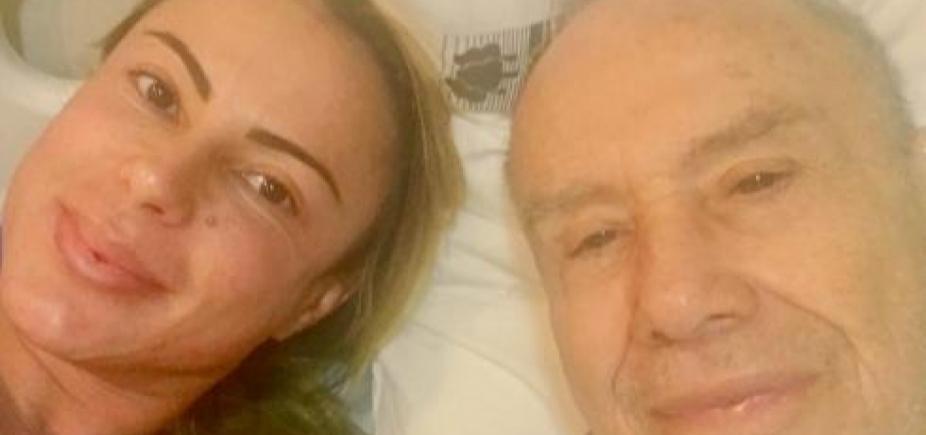 [Mulher de Stênio Garcia grava vídeo em casa após coma: \'Emagreci 9kg\']