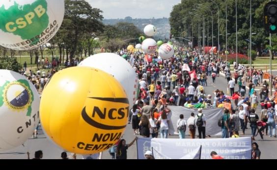 [Centrais sindicais marcam protestos em Brasília para o dia 1º de maio]
