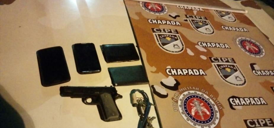 [Após denúncia pelo WhatsApp, polícia captura três, recupera duas motocicletas e apreende pistola de brinquedo]