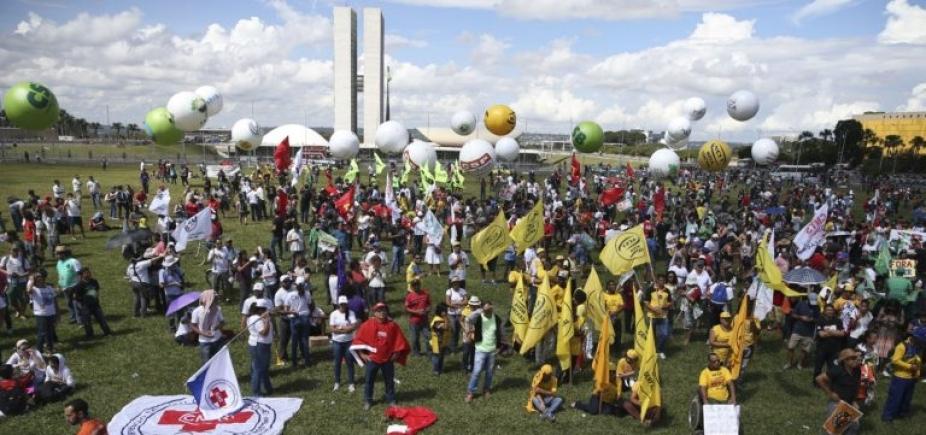 [Presidente da CUT promete ocupação em Brasília após \'maior greve da história\']