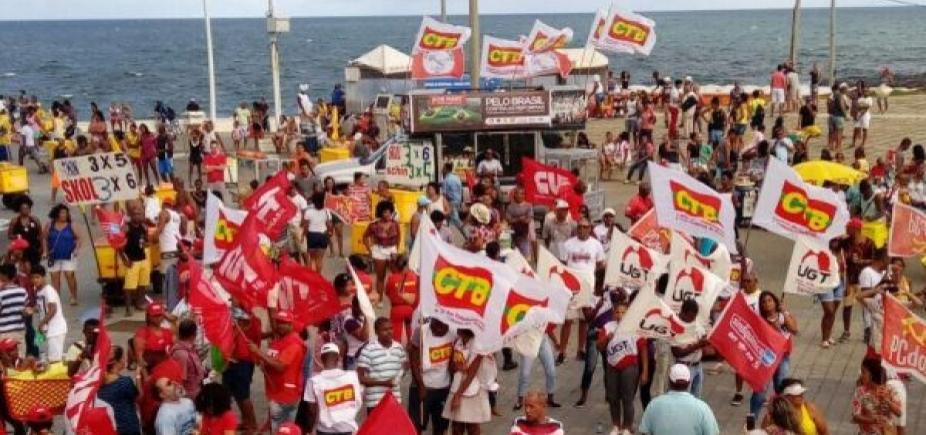 [Protesto contra reformas marca 1º de Maio em Salvador]