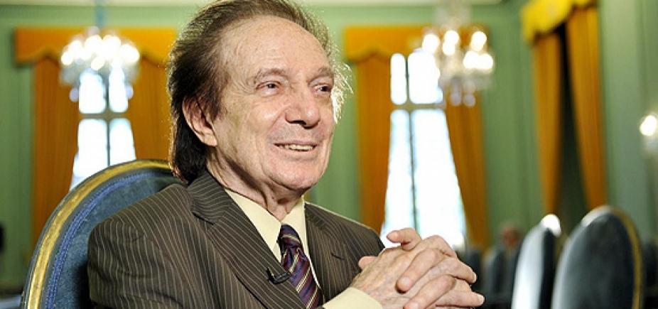 [Membro da ABL e ex-ministro, Eduardo Portella morre aos 88 anos]