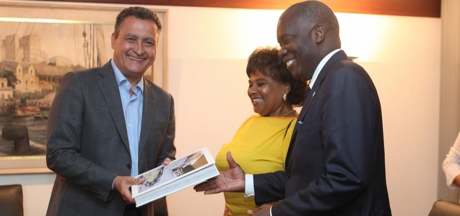 [Rui anuncia parcerias em reunião com ministra da cultura de Angola]