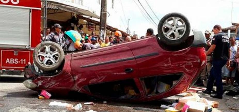 [Motorista é perseguido, baleado e sofre acidente de carro em Feira de Santana]