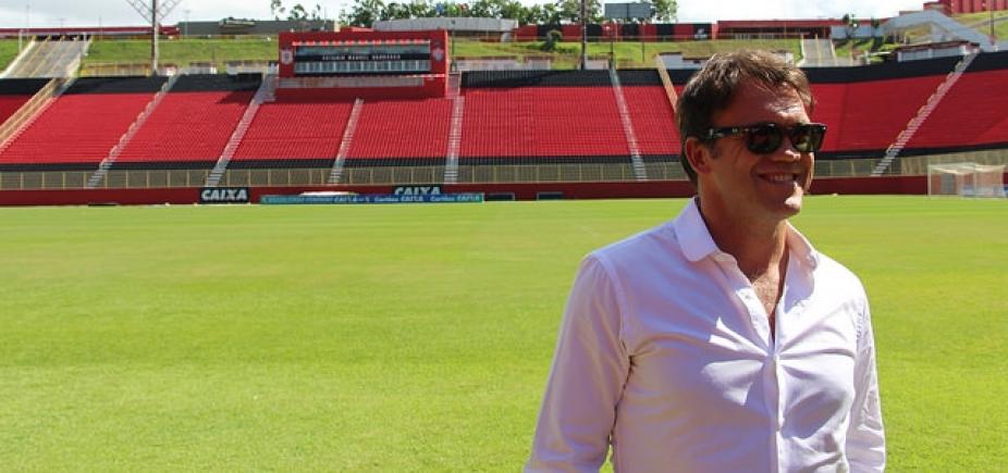 [Petkovic comenta \'saudade\' de jogar bola após primeiro título como gerente do Vitória]