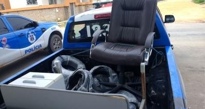 Ex-prefeito de Itagimirim é preso por porte ilegal de arma e objetos do município