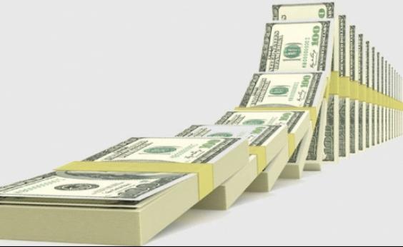 Após dia turbulento na política brasileira, dólar dispara e vai a R$ 3,31