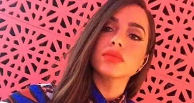 Anitta é chamada de prostituta, rebate e é aplaudida por seguidores