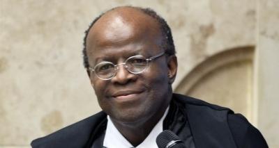 'Brasileiros devem reivindicar renúncia de Temer', afirma Joaquim Barbosa