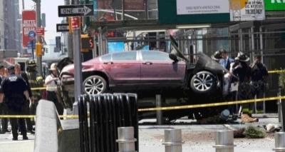 Vídeo mostra momento em que carro atropela 23 pessoas e mata jovem em Nova York; veja