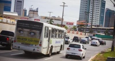 Tiroteio na Avenida Paralela faz motoristas retornarem pela contramão
