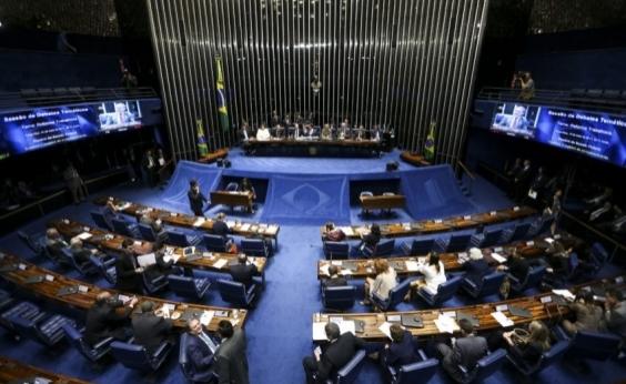 Base aliada quer retomar tramitação da reforma trabalhista nesta terça; oposição é contra