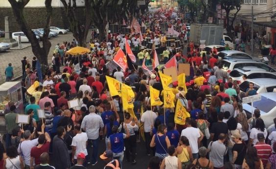 Manifestantes fazem protesto no Campo Grande pedindo renúncia de Temer
