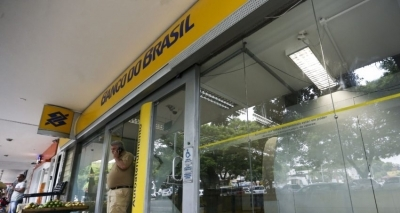 Procon autua seis agências bancárias na RMS por desrespeitar 'Lei dos 15 minutos'