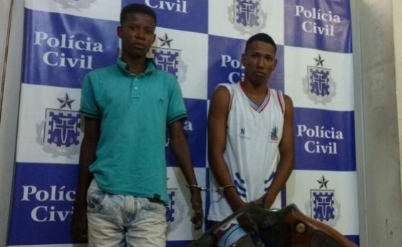 Dois assaltantes são presos em assalto a ônibus na Aliomar Baleeiro