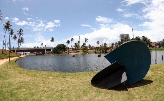 Bombeiros retomam buscas por corpo desaparecido em lagoa no Parque de Pituaçu