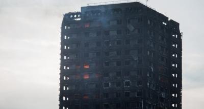 Primeira-ministra anuncia auxilio de 5 milhões de libras para vítimas de incêndio em Londres