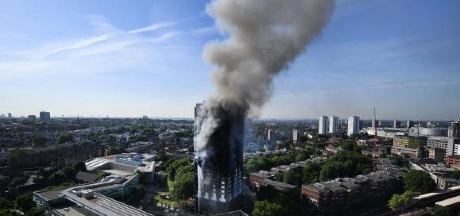 [58 pessoas desaparecidas após incêndio em Londres morreram, diz polícia]