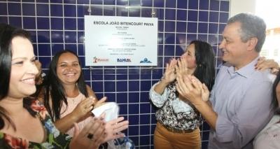 Rui Costa entrega nova escola no interior do estado