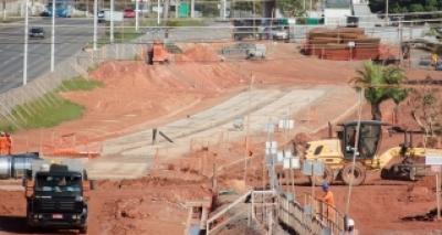 """Rui promete metrô e viadutos prontos em 2017: """"Dezembro queremos entregar tudo"""""""