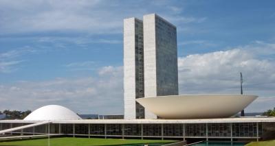 Congresso pretende manter votações apesar de semana cheia em Brasília