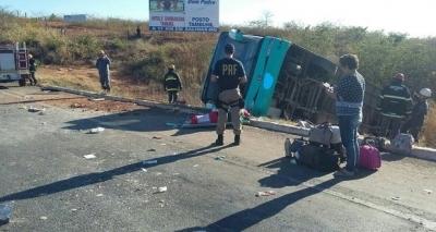 Guitarrista de banda de forró morre em acidente de ônibus em Minas Gerais