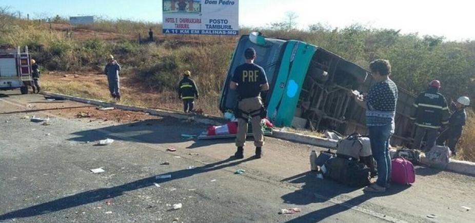 [Guitarrista de banda de forró morre em acidente de ônibus em Minas Gerais]