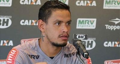 Meia ex-Atlético-MG se aproxima de acerto com o Vitória