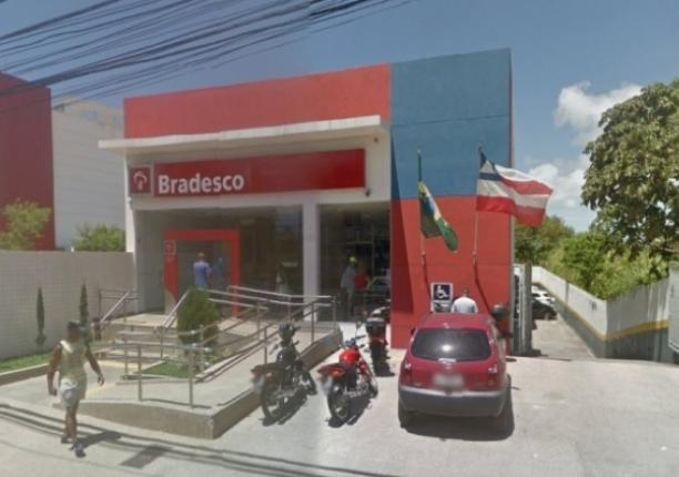 Bandidos invadem e explodem agência bancária na Av. Ulysses Guimarães