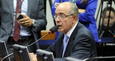 Aleluia rebate Otto em relação à reforma trabalhista: 'Ele comemora o desemprego de 14 milhões'