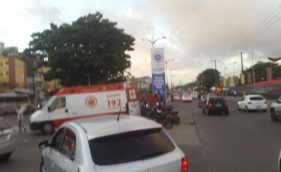 Acidente na Avenida Barros Reis deixa trânsito lento na região