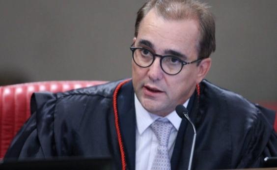 Ministro do TSE é acusado pela esposa de agressão física