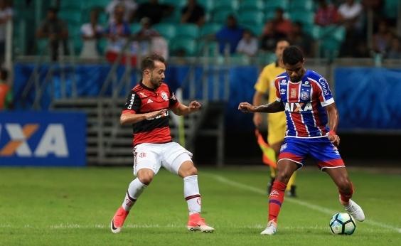 Lateral do Bahia critica erros de arbitragem: Já está ficando crônico