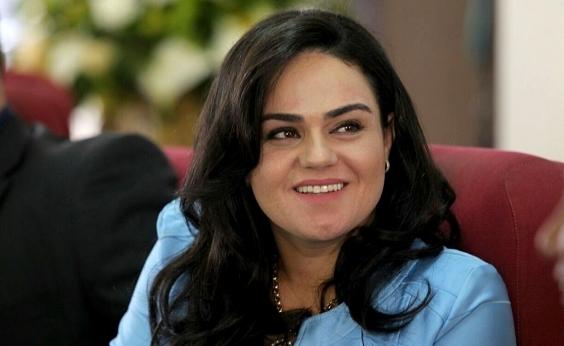 Aline Peixoto recebe título de cidadã de Catu no aniversário da cidade