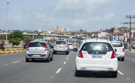 Movimento de veículos na Rodoviária provoca retenção no trânsito
