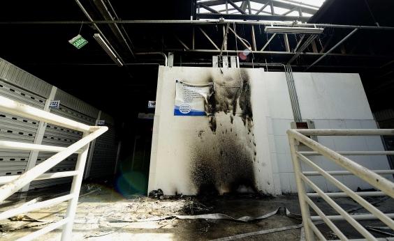 Jovem apontado como mentor do incêndio no Mercado de Cajazeiras presta depoimento