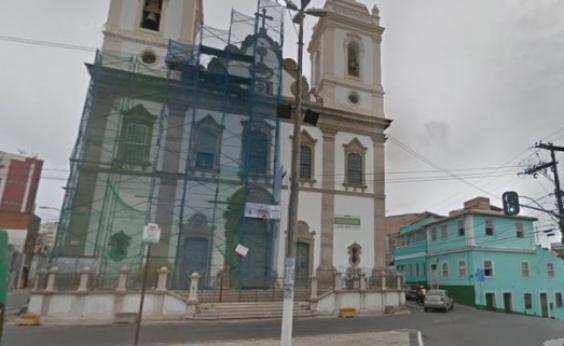 Cabos de semáforos são roubados e reparos fazem trânsito ser modificado em Nazaré