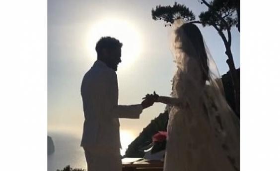 Daniel Alves se casa em cerimônia intimista em Ibiza