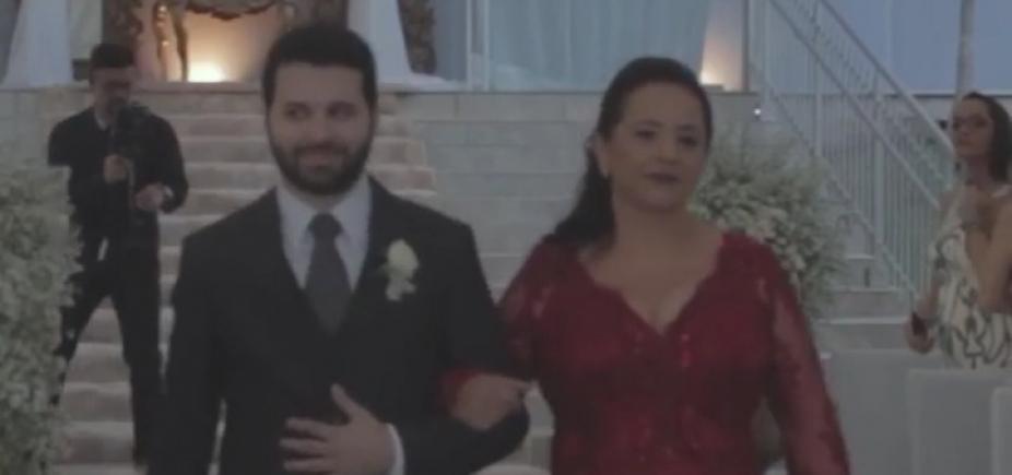 [ Fã de futebol, noivo sobe ao altar com hino da Champions League; vídeo]