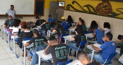 Secretaria de Educação libera estímulo à permanência de professores em atividade de classe