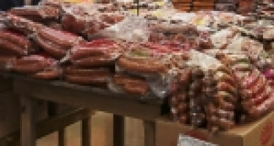 Supermercado é condenado a pagar indenização a idosa após acusação de furto de carne