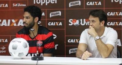 Zagueiro Wallace estreia no Vitória como capitão; confira escalação