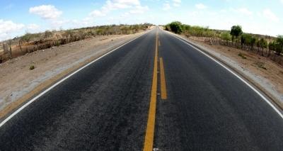 Ciclista morre após ser atropelado por caminhão na BA-262