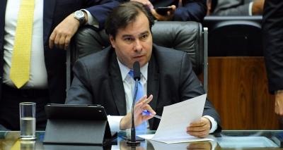 Rui acusa DEM de tramar queda de Temer para que Rodrigo Maia assuma governo